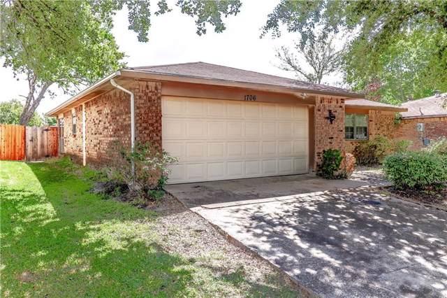 1706 Windsor Drive, Mesquite, TX 75149 (MLS #14187199) :: Kimberly Davis & Associates