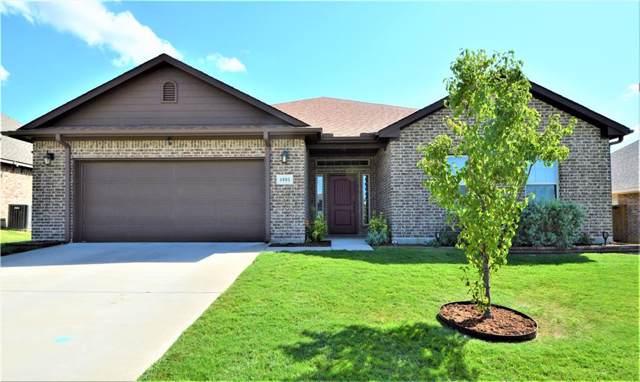 4905 Lakepark Drive, Sanger, TX 76266 (MLS #14187315) :: Team Tiller