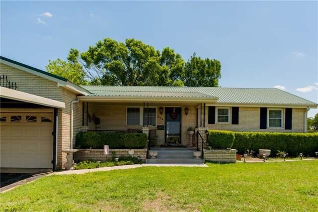 924 N Main Street, Springtown, TX 76082 (MLS #14188408) :: Kimberly Davis & Associates