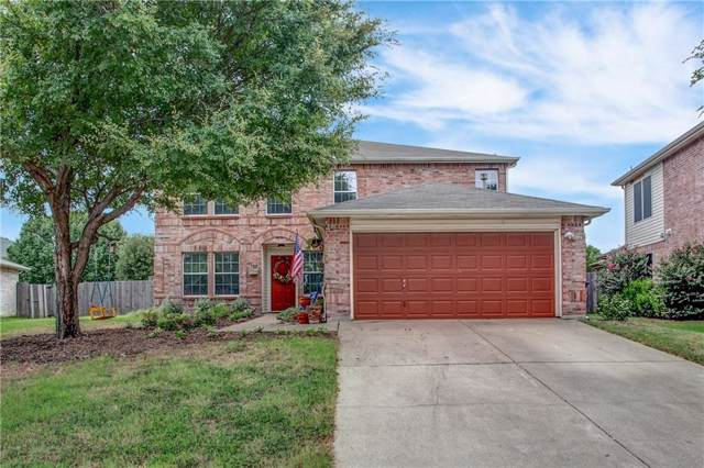 725 Raven Drive, Saginaw, TX 76131 (MLS #14188753) :: RE/MAX Town & Country