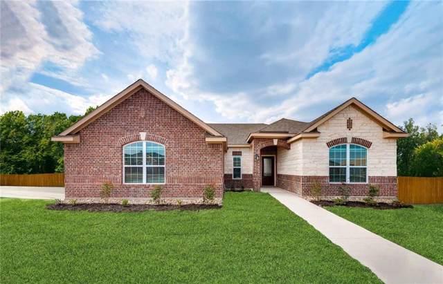 713 W Milas Drive, Glenn Heights, TX 75154 (MLS #14189012) :: Team Hodnett