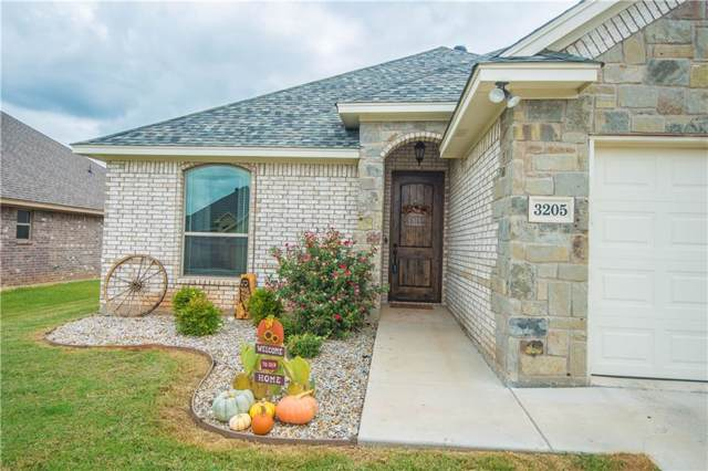 3205 Main Street, Granbury, TX 76049 (MLS #14189538) :: The Tierny Jordan Network