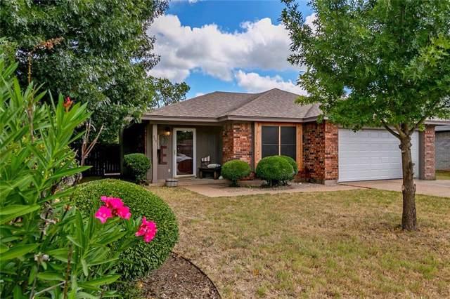 924 Meadowlark Drive, Mansfield, TX 76063 (MLS #14189654) :: Kimberly Davis & Associates
