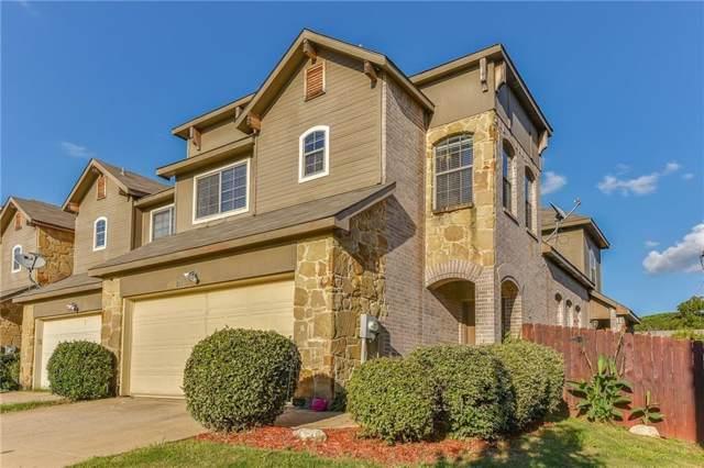 211 Wooded Glen Court, Arlington, TX 76013 (MLS #14191098) :: Kimberly Davis & Associates