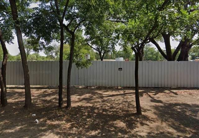 313 W Oakdale Road, Grand Prairie, TX 75050 (MLS #14191404) :: Team Hodnett