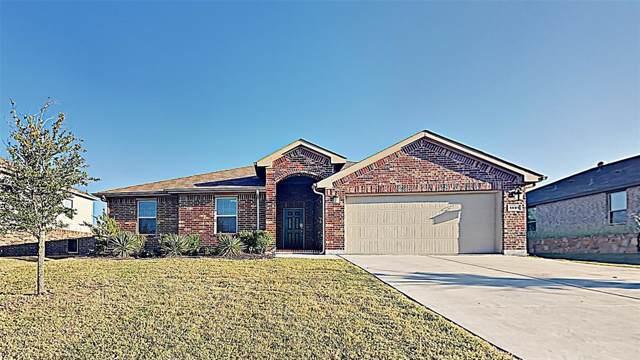 1405 Meadowlakes Drive, Azle, TX 76020 (MLS #14192883) :: Lynn Wilson with Keller Williams DFW/Southlake