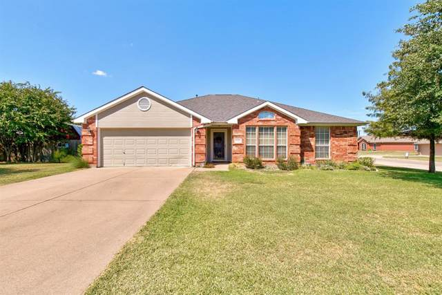 1620 Meadowlark Drive, Cleburne, TX 76033 (MLS #14194080) :: RE/MAX Town & Country