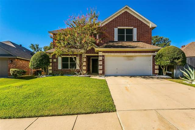 2813 Cottonwood Way, Burleson, TX 76028 (MLS #14194381) :: RE/MAX Town & Country