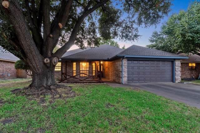 1004 Hunter Ridge Drive, Arlington, TX 76013 (MLS #14195468) :: Kimberly Davis & Associates