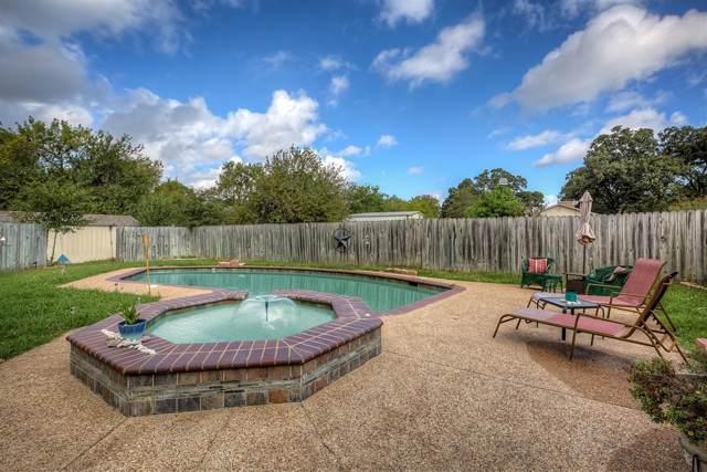 3099 Woodglen Drive, Commerce, TX 75428 (MLS #14196337) :: RE/MAX Town & Country