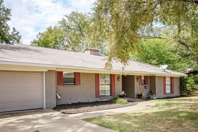 110 E Bayside Drive, Mabank, TX 75156 (MLS #14196812) :: Kimberly Davis & Associates