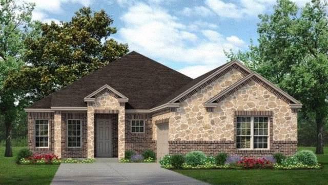 5819 Pamela Way, Grand Prairie, TX 75052 (MLS #14196860) :: RE/MAX Town & Country