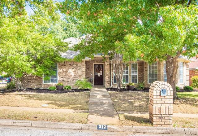 317 Kessler, Euless, TX 76039 (MLS #14197734) :: RE/MAX Town & Country