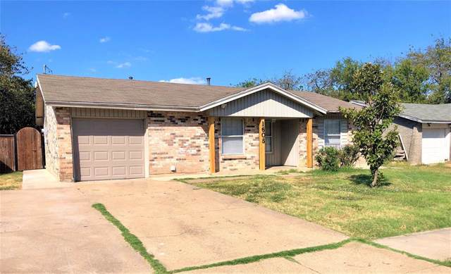 1605 Rosewood Lane, Arlington, TX 76010 (MLS #14197850) :: RE/MAX Town & Country