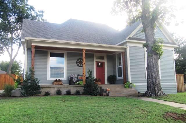 204 W Hall Street, Whitesboro, TX 76273 (MLS #14199407) :: Lynn Wilson with Keller Williams DFW/Southlake