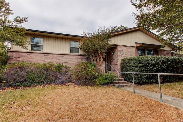 9805 Queenswood Lane, Dallas, TX 75238 (MLS #14200246) :: Potts Realty Group