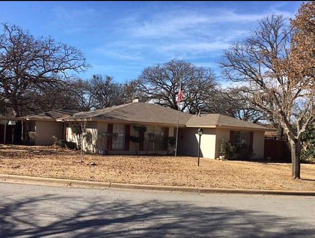 700 SE 28th Avenue, Mineral Wells, TX 76067 (MLS #14200300) :: RE/MAX Town & Country