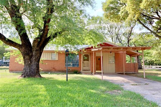 802 Edgewood Street, Wolfe City, TX 75496 (MLS #14200314) :: Lynn Wilson with Keller Williams DFW/Southlake