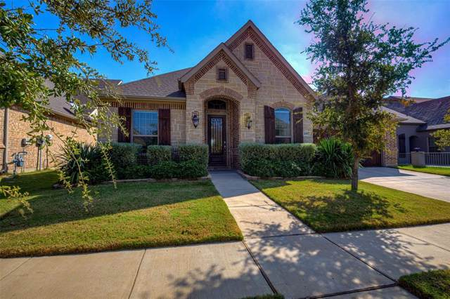 6917 Clayton Nicholas Court, Arlington, TX 76001 (MLS #14202220) :: Ann Carr Real Estate