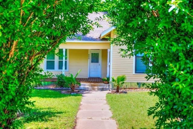 809 N Dixon, Gainesville, TX 76240 (MLS #14202289) :: Lynn Wilson with Keller Williams DFW/Southlake