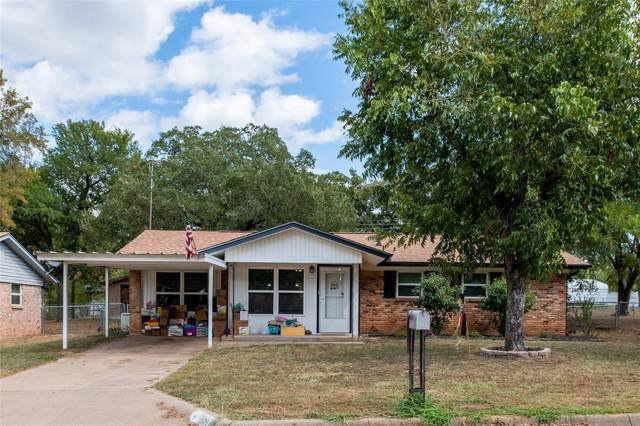 605 SE 26th Avenue, Mineral Wells, TX 76067 (MLS #14202434) :: RE/MAX Town & Country