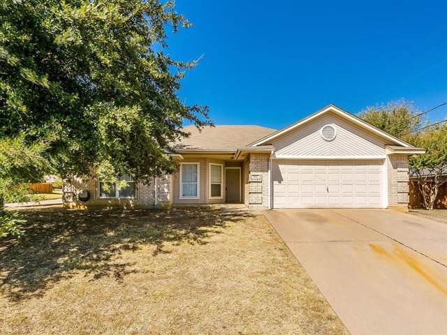 533 Pleasant Valley Drive, Burleson, TX 76028 (MLS #14203339) :: RE/MAX Pinnacle Group REALTORS