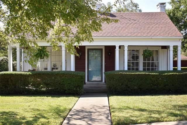 400 S Santa Fe Street, Wolfe City, TX 75496 (MLS #14203397) :: Lynn Wilson with Keller Williams DFW/Southlake