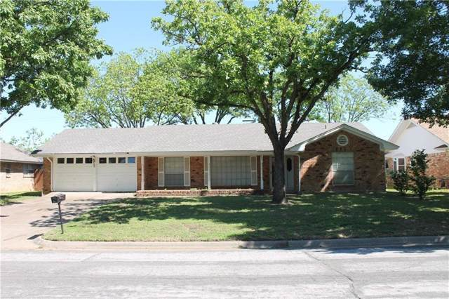 2205 Briarwood Boulevard, Arlington, TX 76013 (MLS #14203701) :: Lynn Wilson with Keller Williams DFW/Southlake
