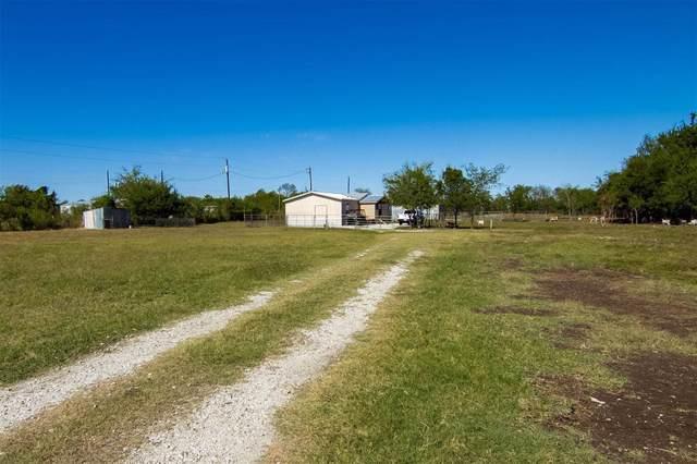 8088 Gregory Road, Valley View, TX 76272 (MLS #14204321) :: Kimberly Davis & Associates