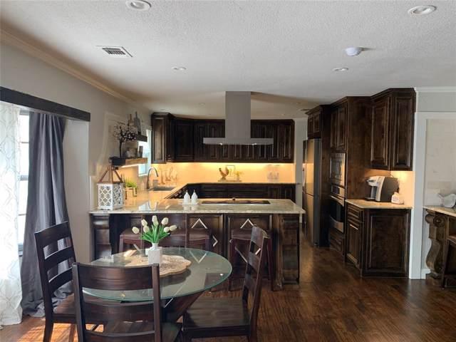 1528 Oakridge Court W, Azle, TX 76020 (MLS #14204345) :: Lynn Wilson with Keller Williams DFW/Southlake