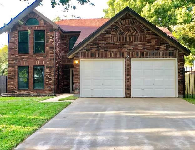 2422 Warrington Drive, Grand Prairie, TX 75052 (MLS #14205141) :: The Heyl Group at Keller Williams