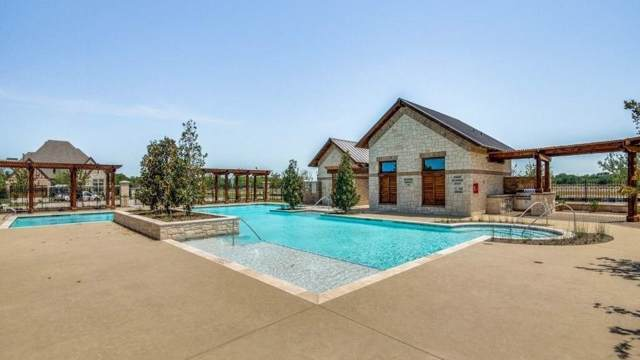 2112 Nassau Drive, Mckinney, TX 75071 (MLS #14205335) :: The Real Estate Station
