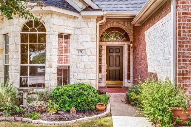 1713 Masters Drive, Desoto, TX 75115 (MLS #14205600) :: RE/MAX Town & Country