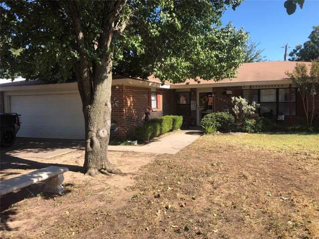 1401 Jackson Street, Bowie, TX 76230 (MLS #14205917) :: Kimberly Davis & Associates