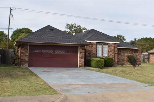 517 E Robin Court, Desoto, TX 75115 (MLS #14207950) :: Tenesha Lusk Realty Group