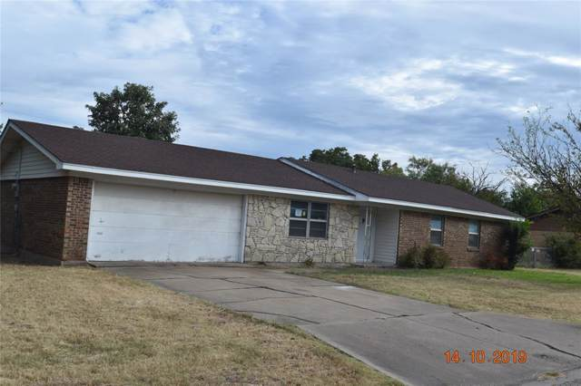 1703 SE 11th Street, Mineral Wells, TX 76067 (MLS #14207976) :: RE/MAX Town & Country
