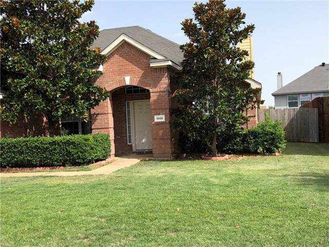 1806 Walnut Hills Lane, Mansfield, TX 76063 (MLS #14208014) :: Tenesha Lusk Realty Group