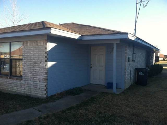 611 Gardenview Circle, Denton, TX 76207 (MLS #14208301) :: Lynn Wilson with Keller Williams DFW/Southlake