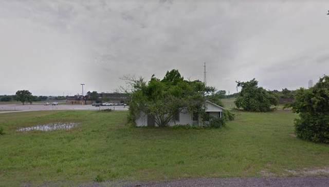 1047 N Main Street, Springtown, TX 76082 (MLS #14208848) :: Lynn Wilson with Keller Williams DFW/Southlake