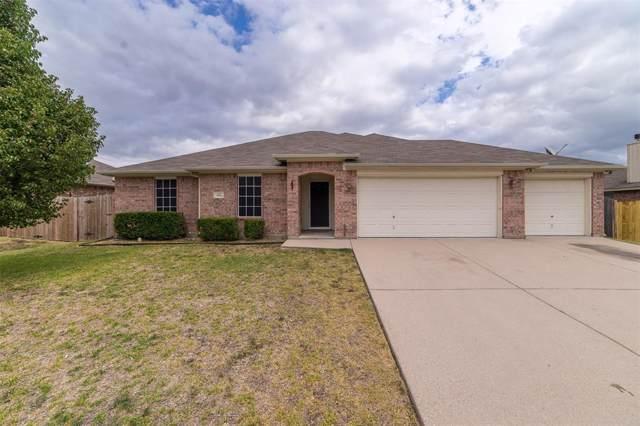 420 Bretts Way, Burleson, TX 76028 (MLS #14210089) :: The Hornburg Real Estate Group