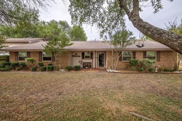 209 Chisholm Trail, Waxahachie, TX 75165 (MLS #14210199) :: The Rhodes Team