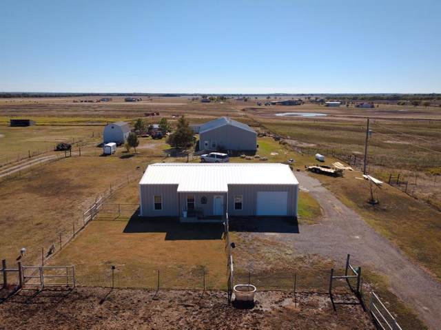 3300 Airport Road, Tioga, TX 76271 (MLS #14210310) :: Dwell Residential Realty