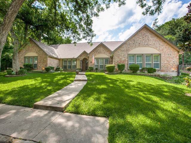 901 Sleepy Hollow Drive, Cedar Hill, TX 75104 (MLS #14210596) :: All Cities Realty
