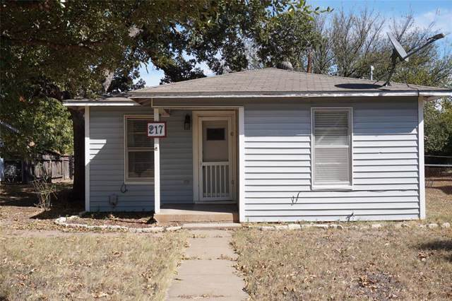 217 Ohio Street, Graham, TX 76450 (MLS #14210676) :: RE/MAX Town & Country