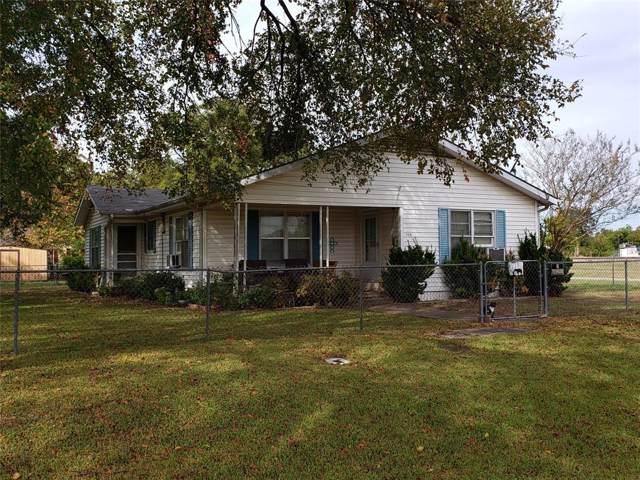 100 S Throckmorton Avenue, Kerens, TX 75110 (MLS #14210769) :: Team Hodnett