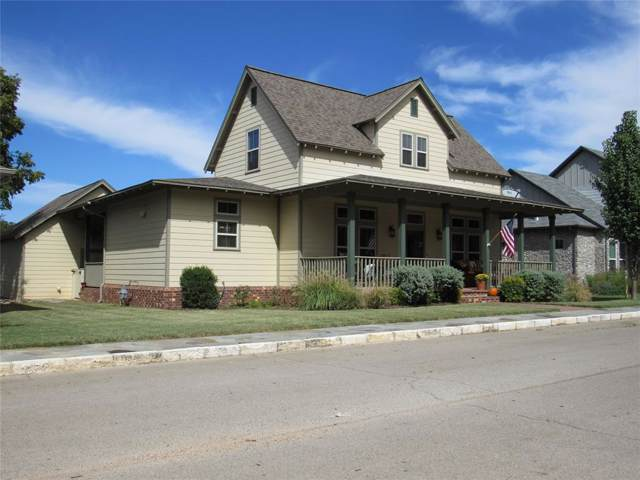405 Counts Alley, Granbury, TX 76048 (MLS #14210951) :: RE/MAX Town & Country