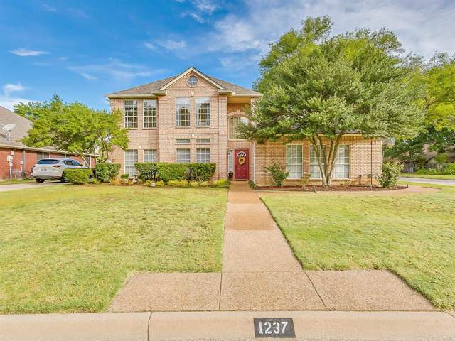 1237 Rio Grande Drive, Benbrook, TX 76126 (MLS #14211276) :: Potts Realty Group