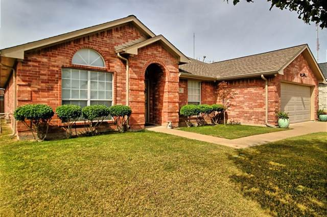 821 Passive Drive, Cedar Hill, TX 75104 (MLS #14211337) :: Tanika Donnell Realty Group