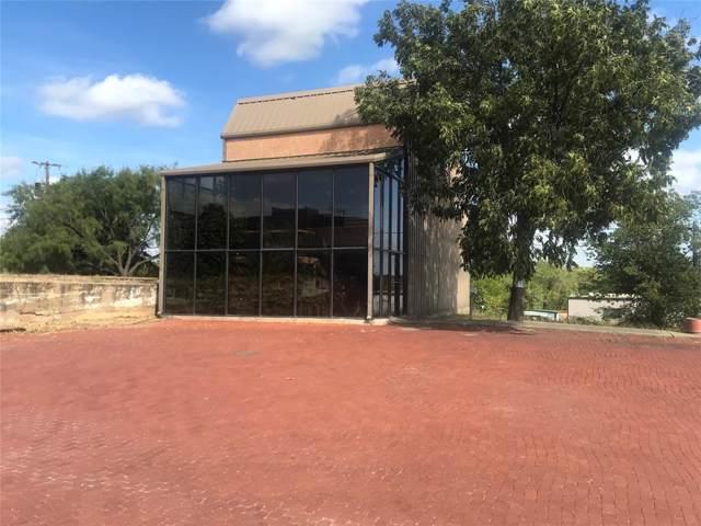 400 W Walker Street, Breckenridge, TX 76424 (MLS #14211682) :: The Tonya Harbin Team