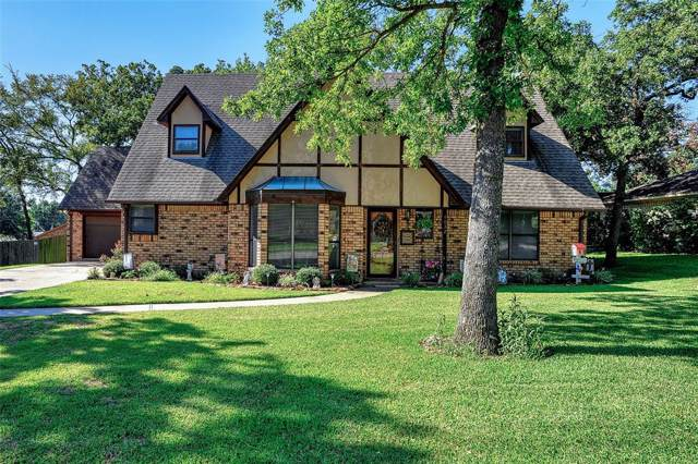 4032 Hidden Valley Drive, Denison, TX 75020 (MLS #14211835) :: The Rhodes Team